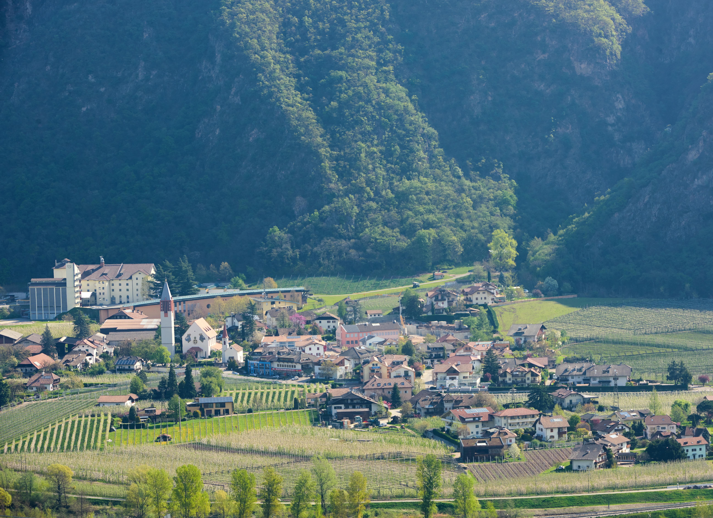Blick aufs Dorf 2